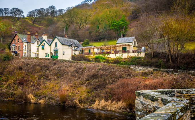 pub_from_bridge_winter.jpg